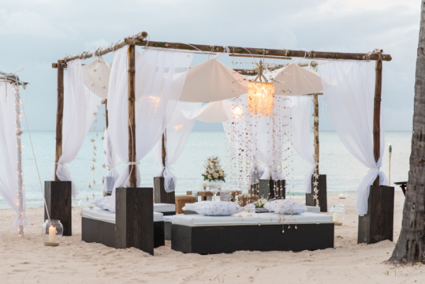 Heavenly Unions White Beach Wedding Decor That Will Take