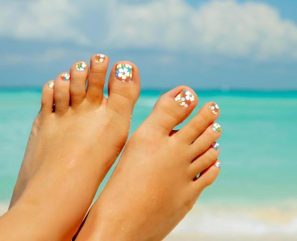 Few Ideas For Your Beach Wedding Nails Beach Wedding Tips