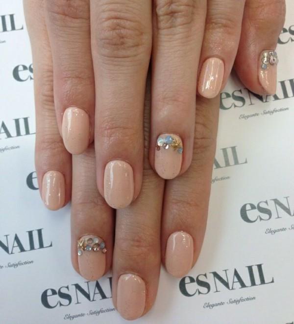 A Few Ideas For Your Beach Wedding Nails