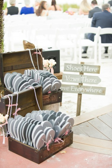 b4eae4233d39a2 Beach Wedding Favor Ideas – Beach Wedding Tips