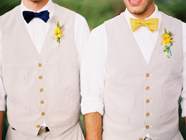 How to Choose a Groom Suit for a Beach Wedding