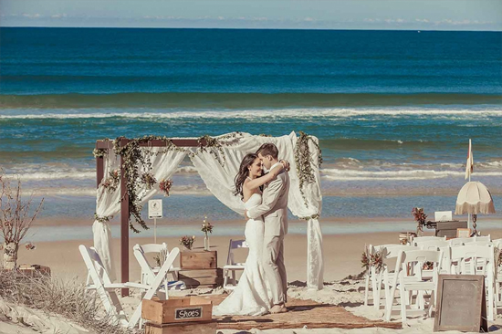 Graceful Vintage Beach Wedding Décor