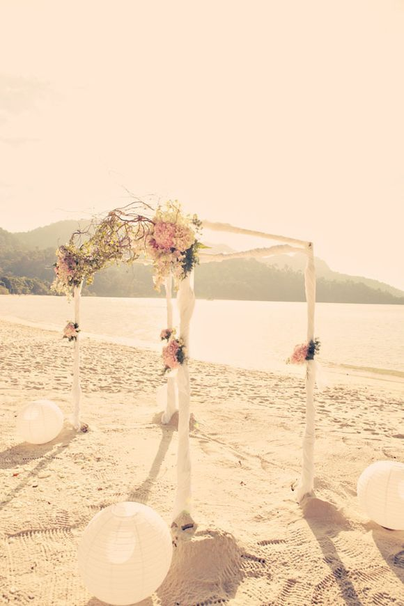 Graceful Vintage Beach Wedding Dcor Beach Wedding Tips