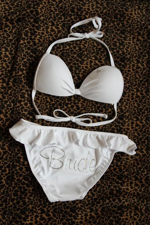 Dream honeymoon grab your bikini and go to the beach