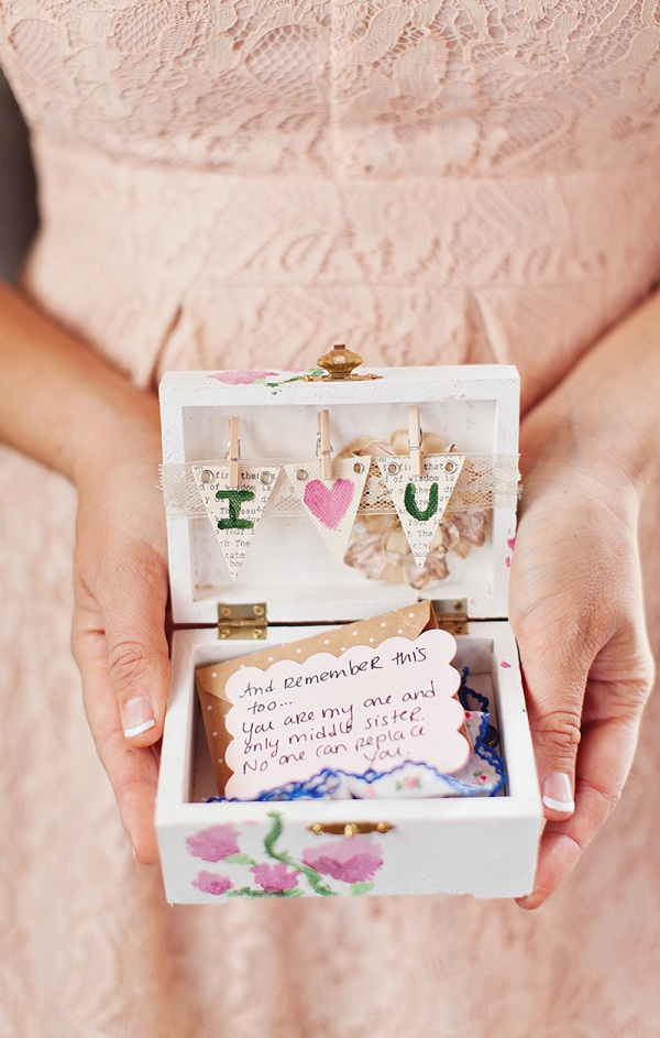 How to Organize a Beach-Themed Bridal Shower