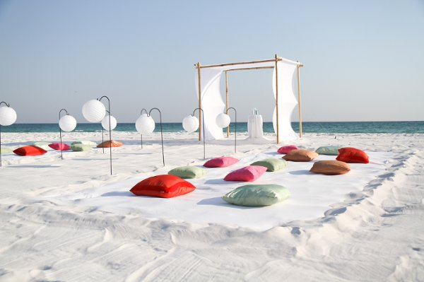 Non Traditional Beach Wedding Ideas To Escape The Clichés