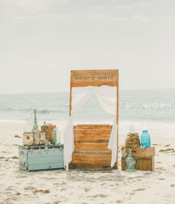 photo booths ideas for a fun beach wedding beach wedding