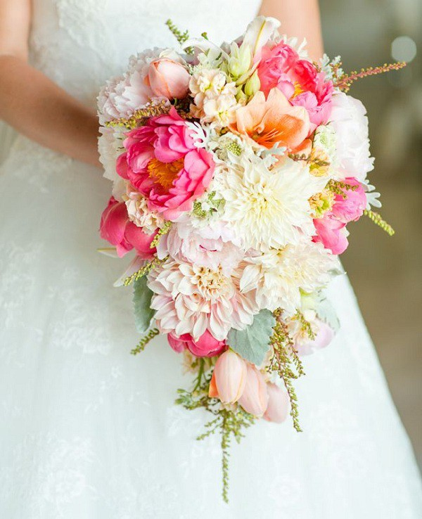Beach Wedding Flower Ideas: Beach Bridal Bouquet Ideas