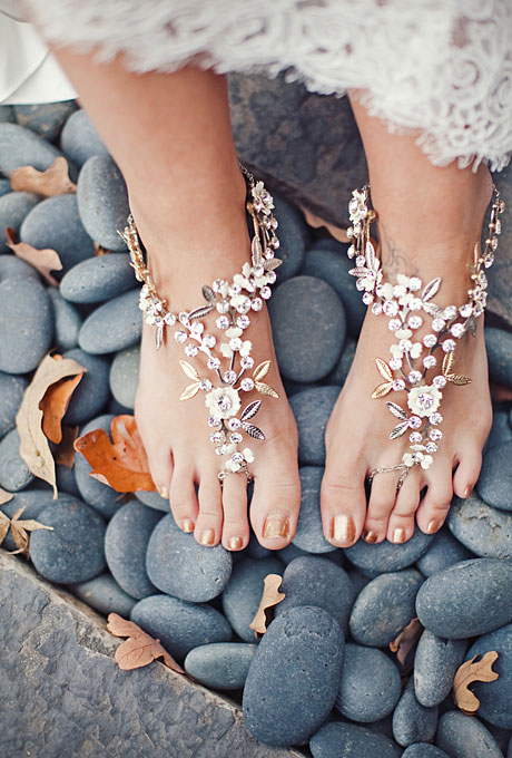 10 Great Beach Bridal Shoes Ideas – Beach Wedding Tips