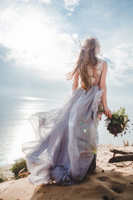 Gorgeous beach bride