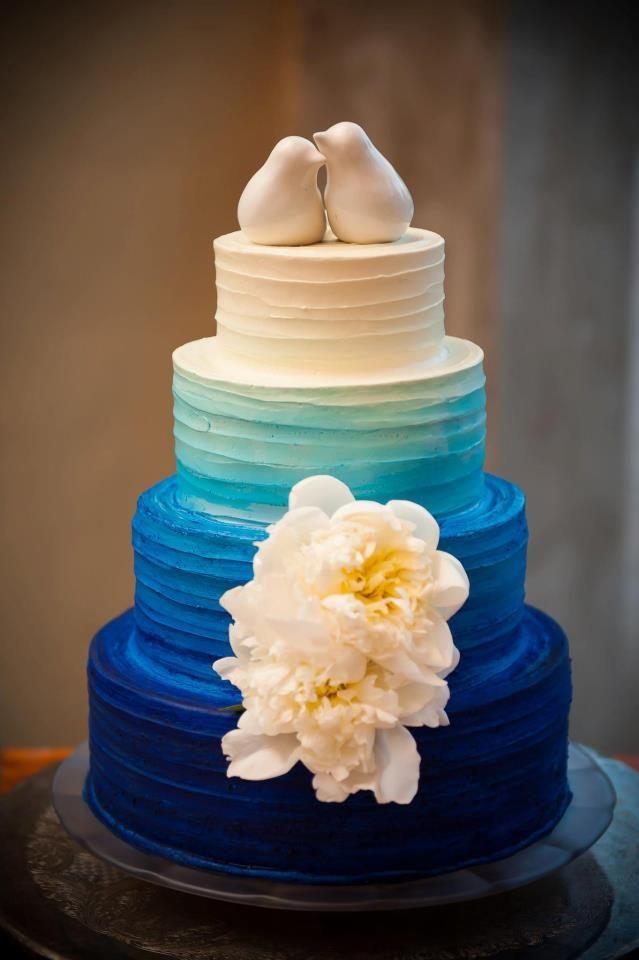 Lovely blue wedding cake