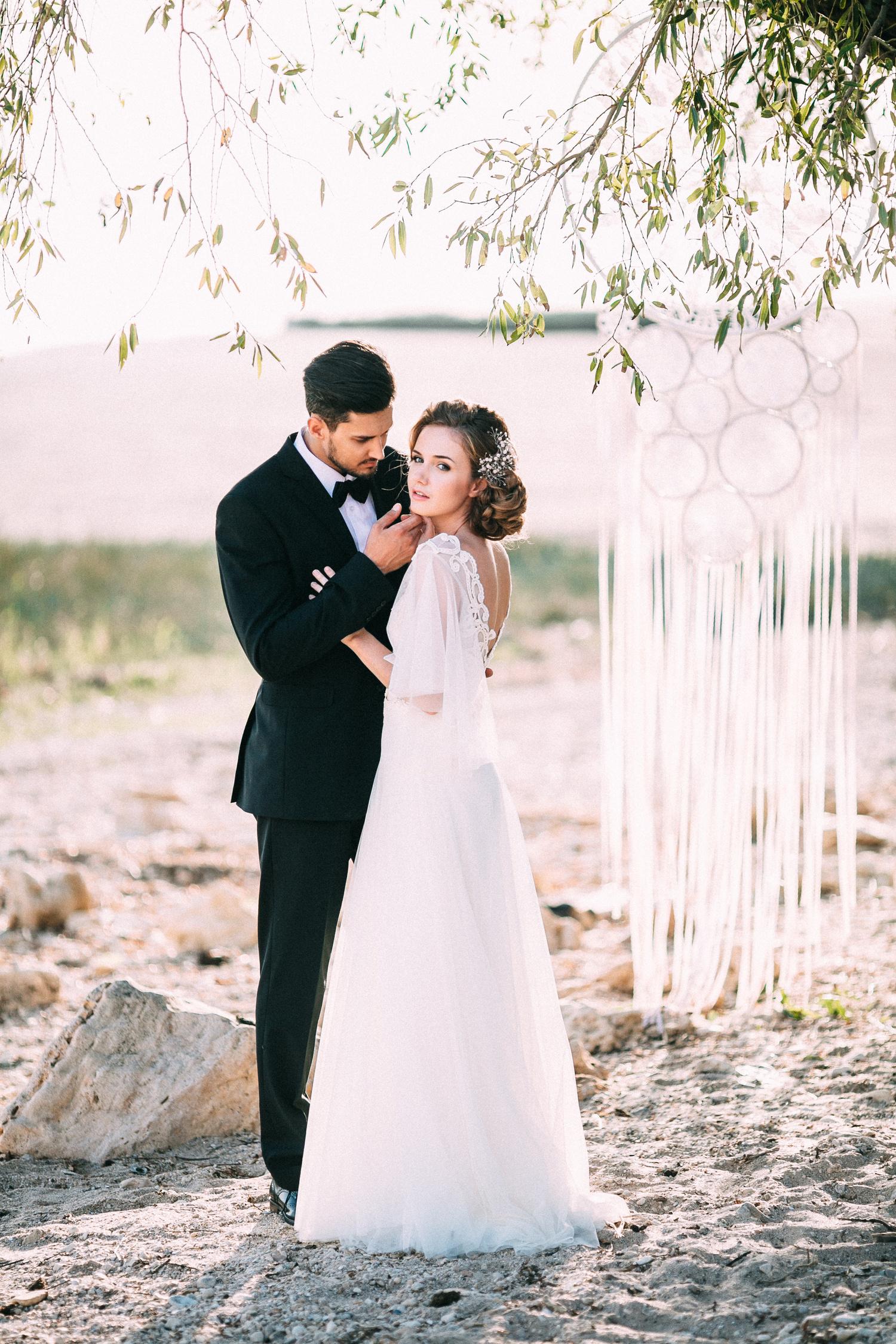 Wedding Photo Musts: Dreamy Beach Wedding: Styled Photo Shoot In Tender