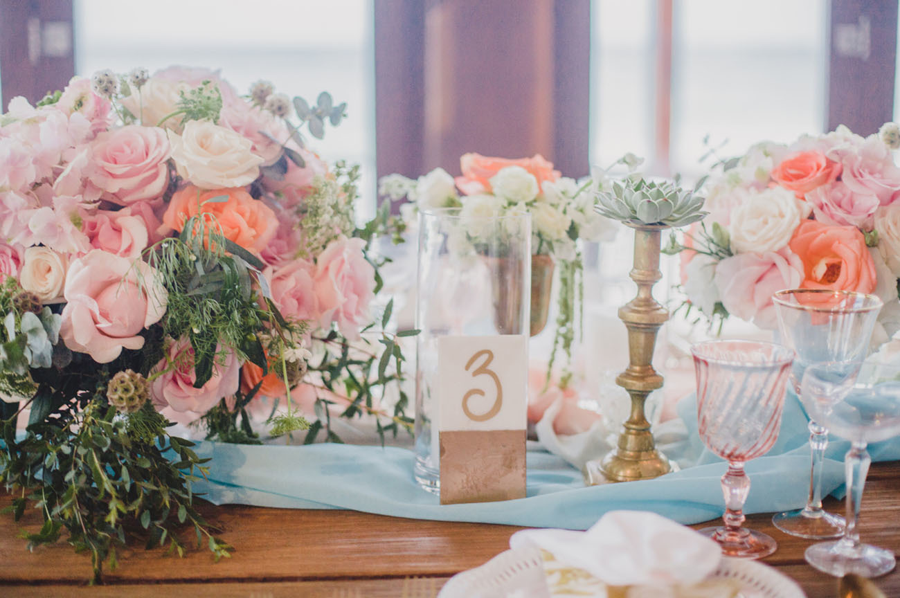 Table arrangement for a wedding