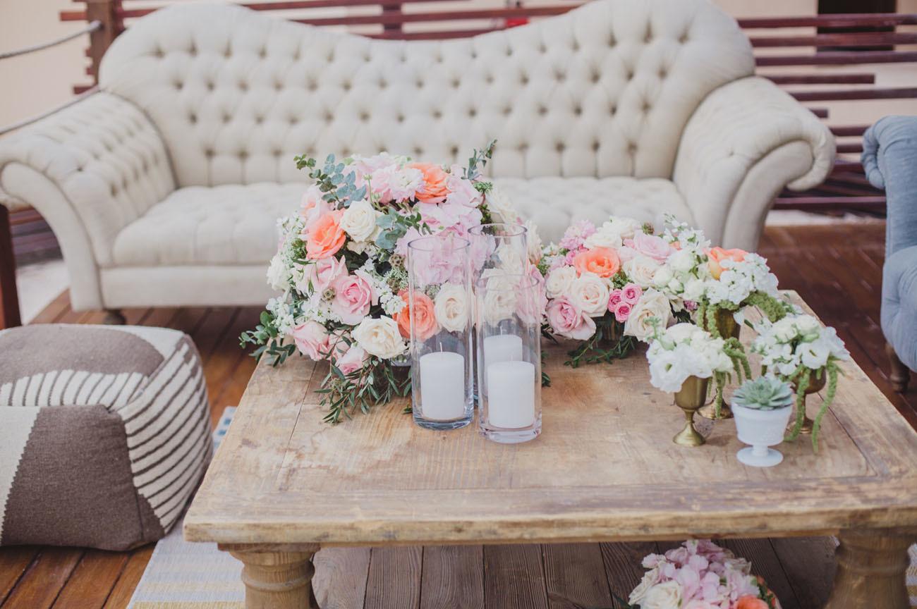 Beach wedding table decor