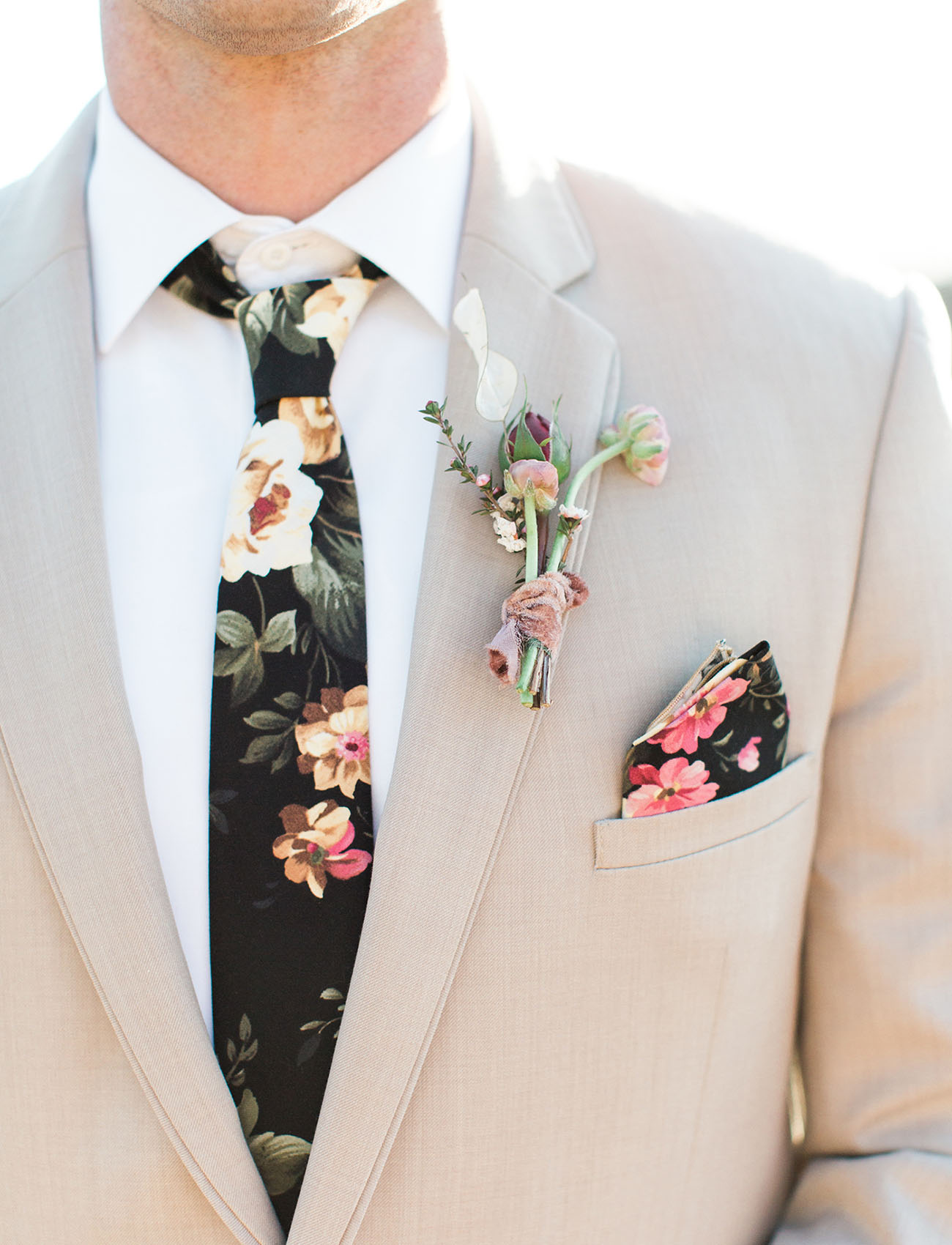 Colorful groom's tie